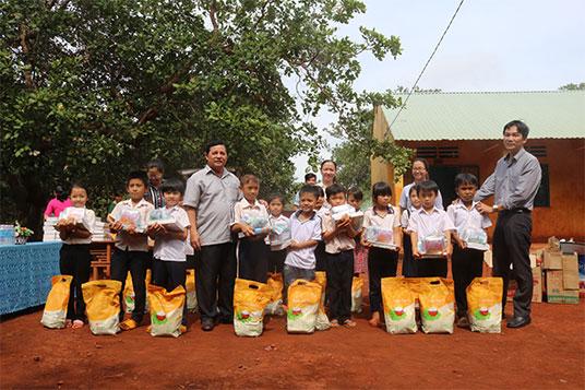 Gạo Hoa Lúa làm thiện nguyện tại Bình Phước